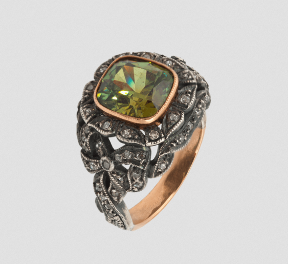 Ring with demantoid.Of 2.55 carats - photo 1