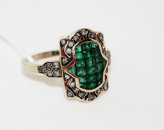 Ring with emeralds and diamonds - photo 1