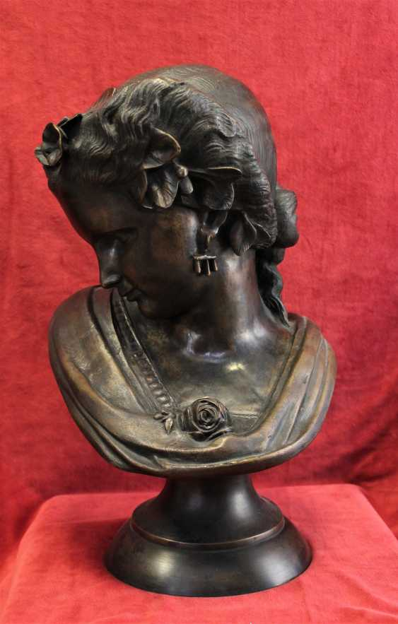 """The bust of the """"Lady with rose"""", 19th / 20th century - photo 1"""