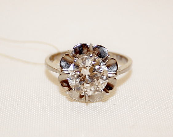 Diamond ring gold, alloy 18 - photo 2