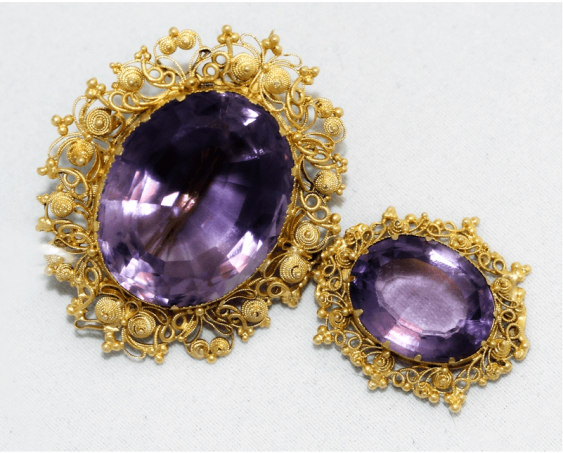 Brooch with amethysts . gold, 56 - photo 1
