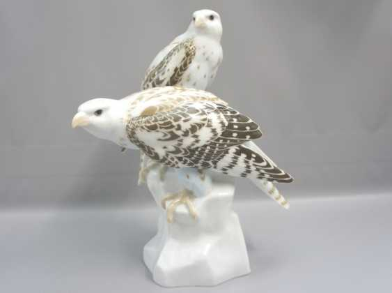 Meissen Noble falcons on a rock base. 19 Jhr. 1 choice. - photo 2
