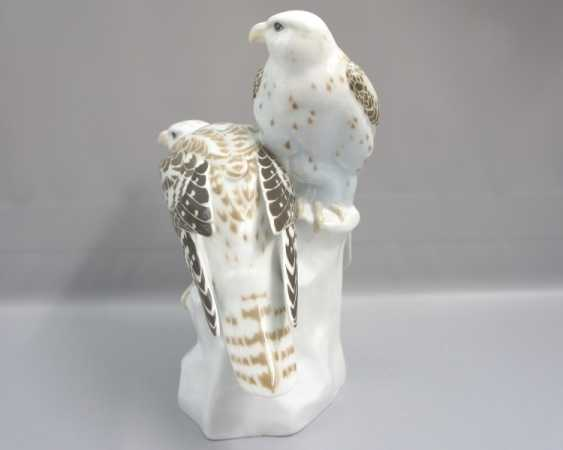 Meissen Noble falcons on a rock base. 19 Jhr. 1 choice. - photo 3