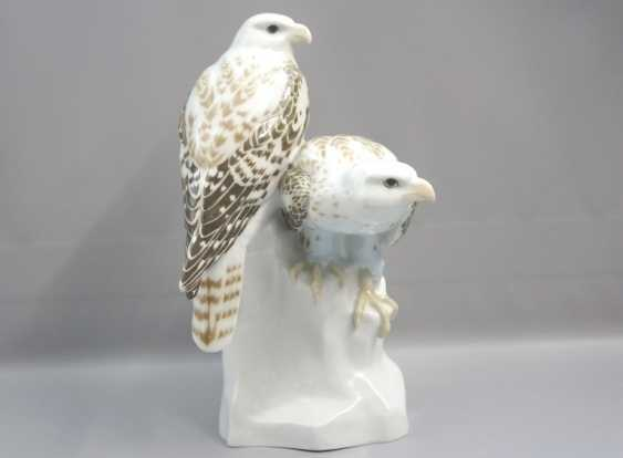 Meissen Noble falcons on a rock base. 19 Jhr. 1 choice. - photo 1