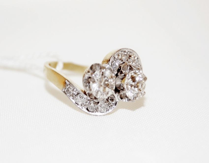 Bague avec diamants - photo 1