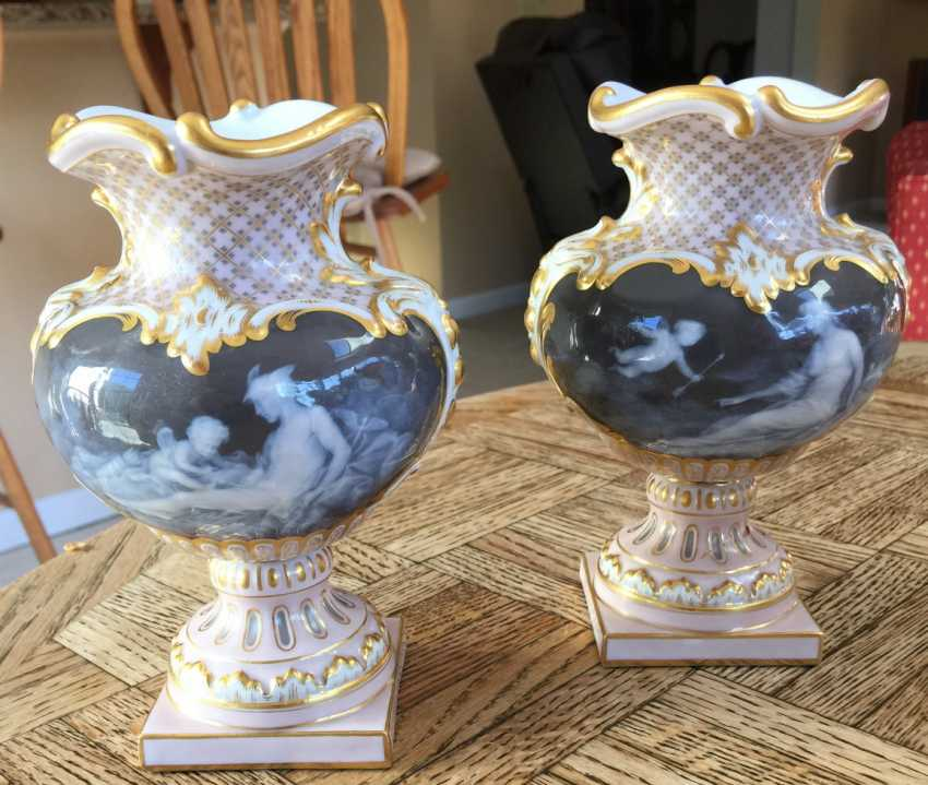 Pair of Meissen pate-sur-pate vases - photo 2