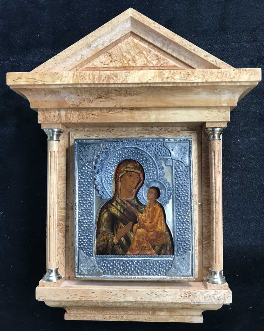 """Icon """"our lady of Iveron (homemaker)"""". Moscow, 1889 - photo 1"""