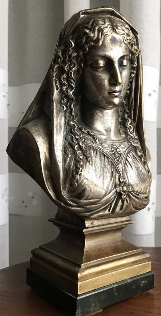 "A bust of ""Madonna"", XIX century. - photo 1"