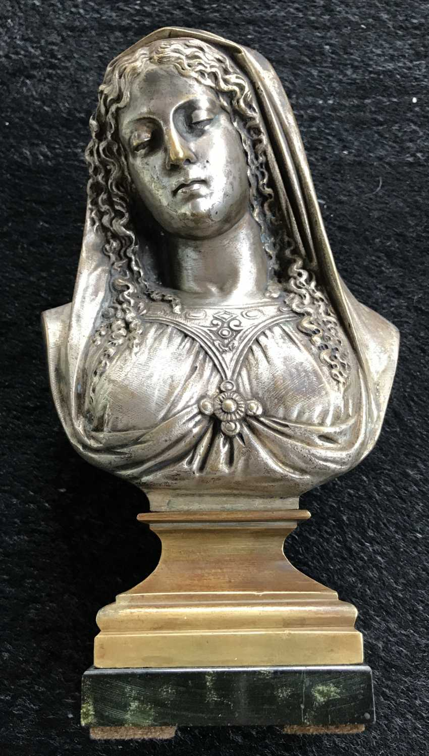 "A bust of ""Madonna"", XIX century. - photo 4"