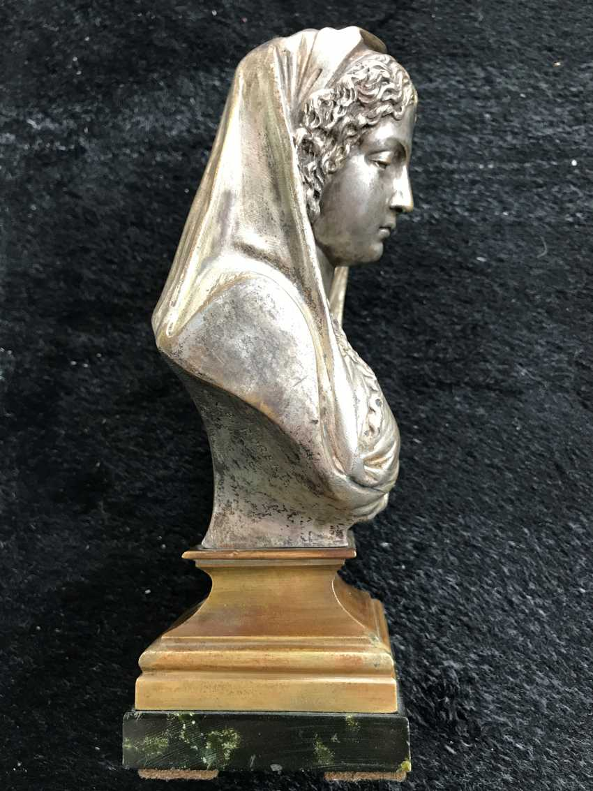 "A bust of ""Madonna"", XIX century. - photo 3"