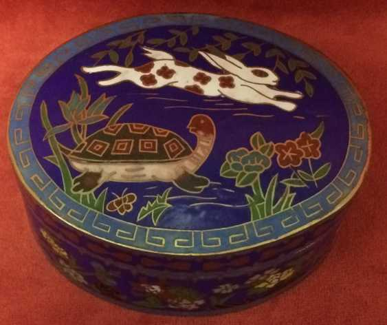 "Cloisonne. Box ""the tortoise and the Hare"". China, XX century. - photo 3"