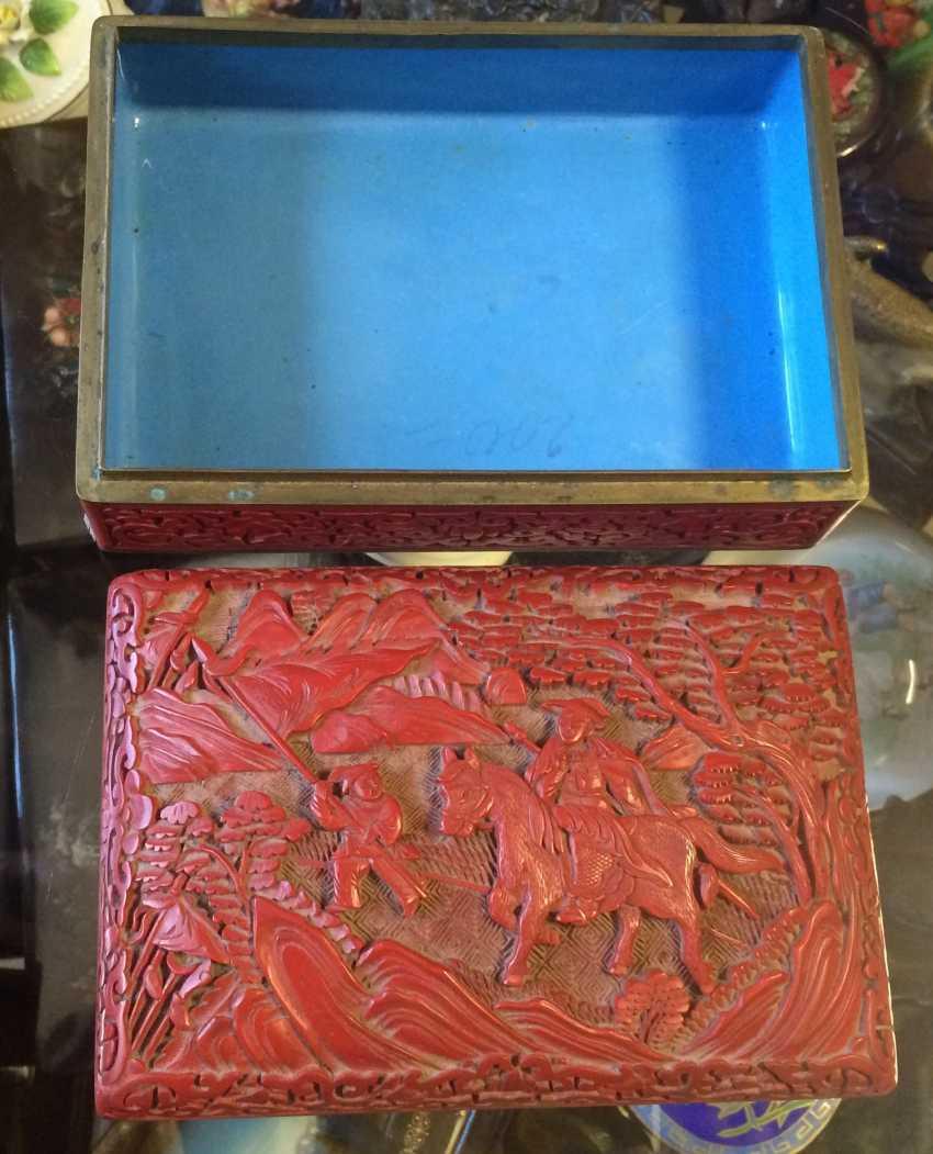 Box. Cinnabar. China, XIX-1-I floor. XX century. - photo 3