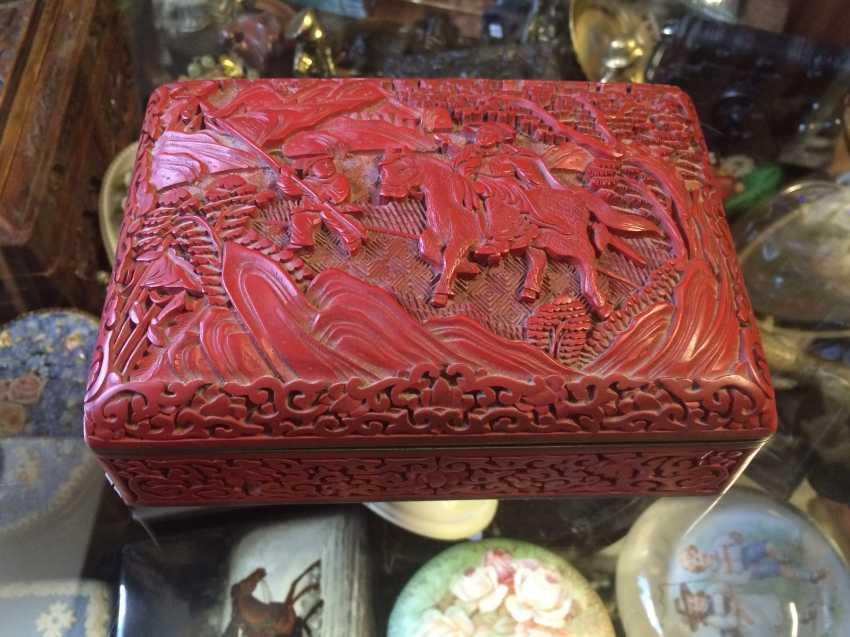 Box. Cinnabar. China, XIX-1-I floor. XX century. - photo 1