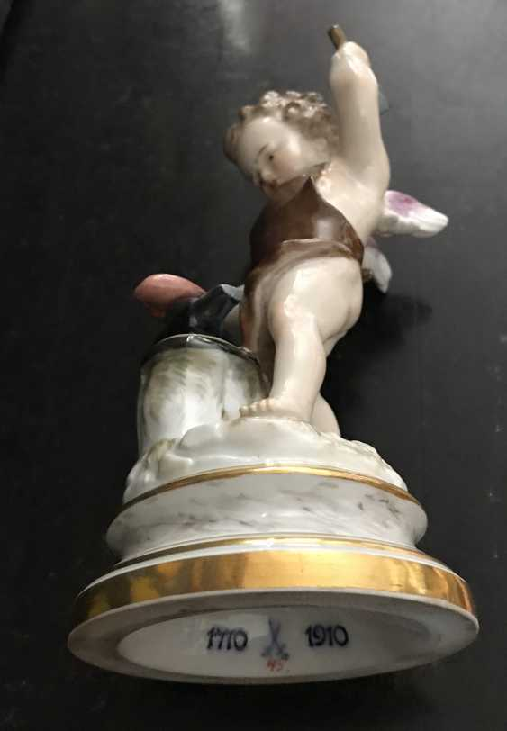 "Meissen ""Cupid forging heart"" of the XIX century. - photo 4"
