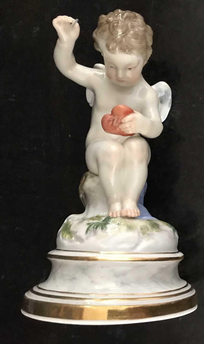 "Meissen ""Cupid stitching heart"" of the XIX century. - photo 1"