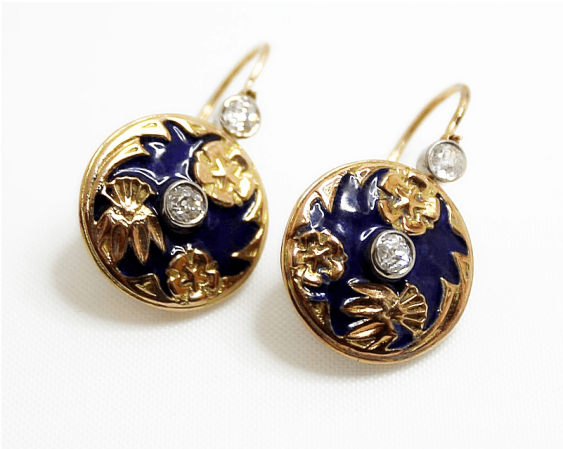 Earrings with diamonds and enamel - photo 1