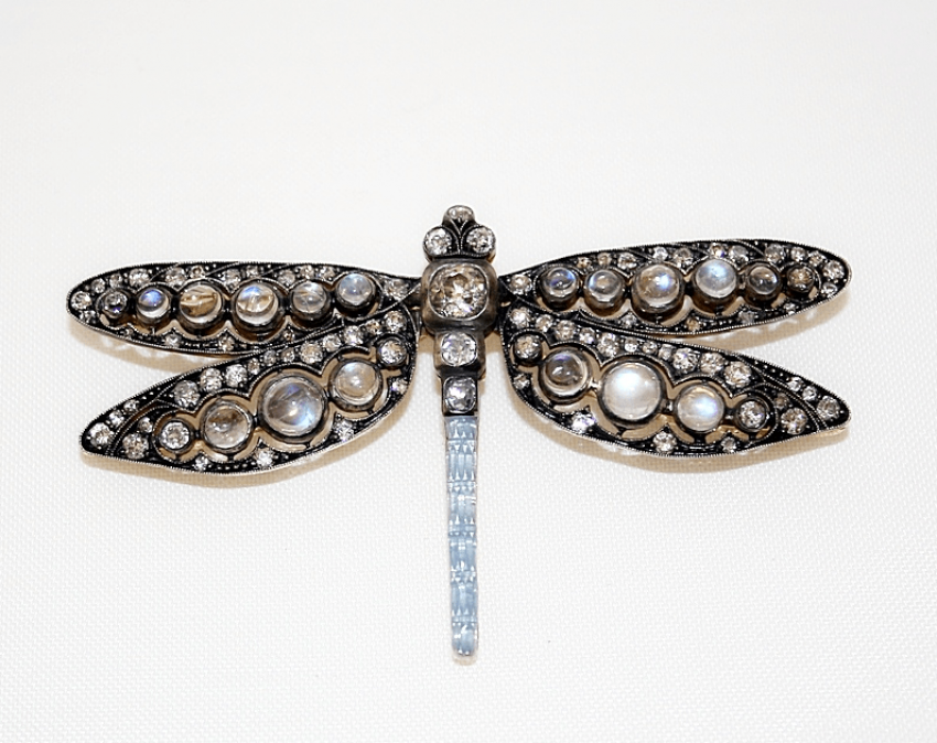 Brooch with diamonds and enamel - photo 1