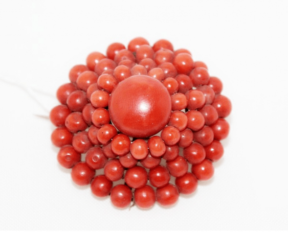 Brooch with corals - photo 1