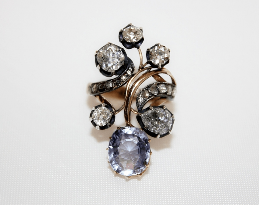 Ring with diamonds and sapphire - photo 2