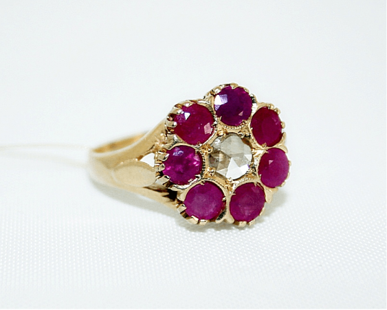Ring with rubies and diamond - photo 1