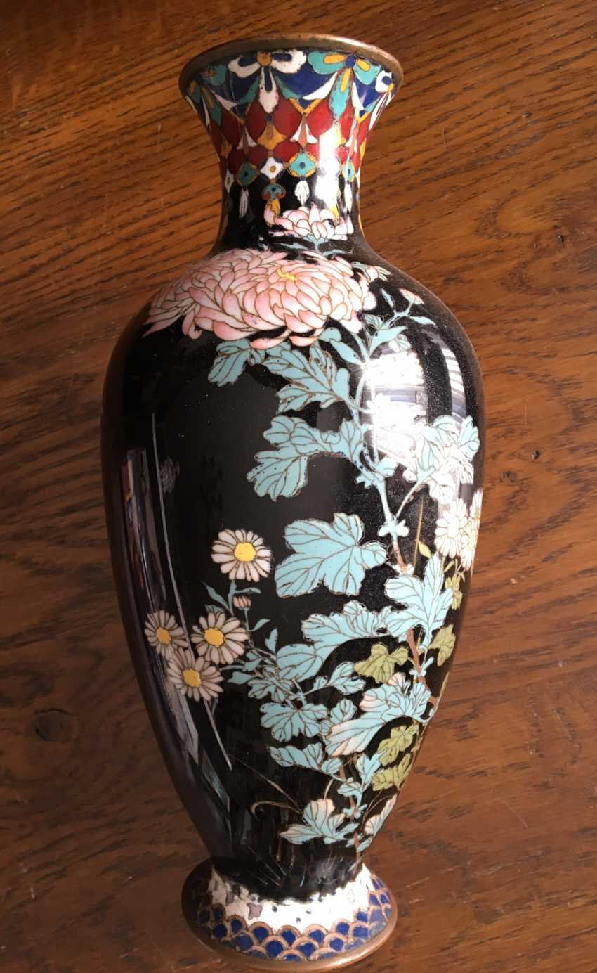 Vase Cloisonne. Japan, the nineteenth century. - photo 1