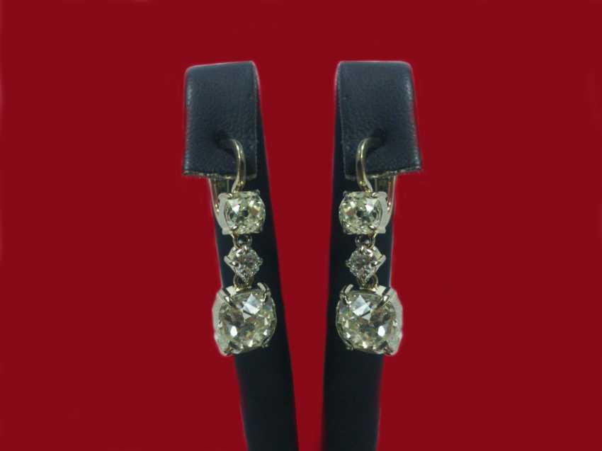 Earrings - photo 1