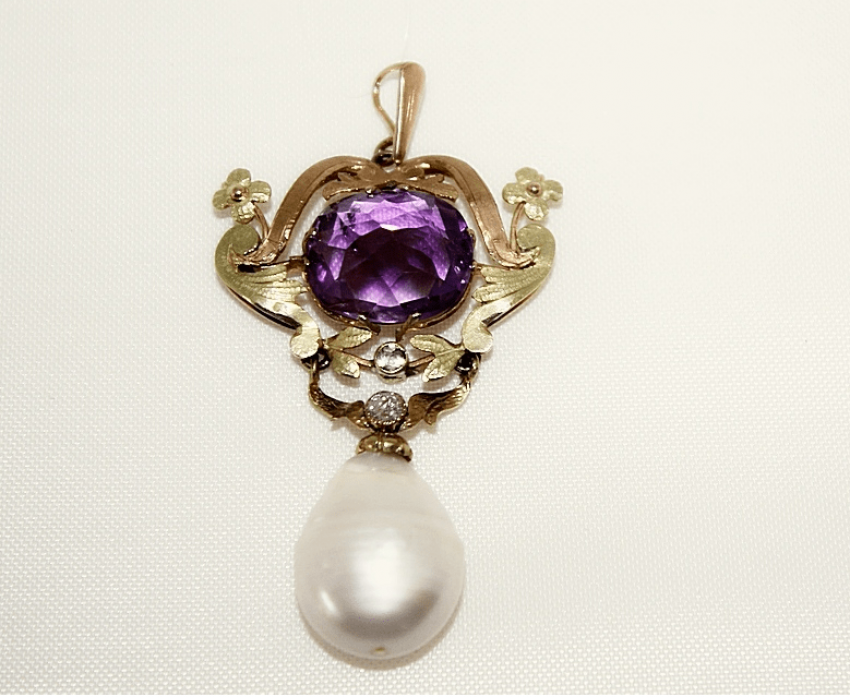 Pendant with amethyst pearls and diamonds - photo 1