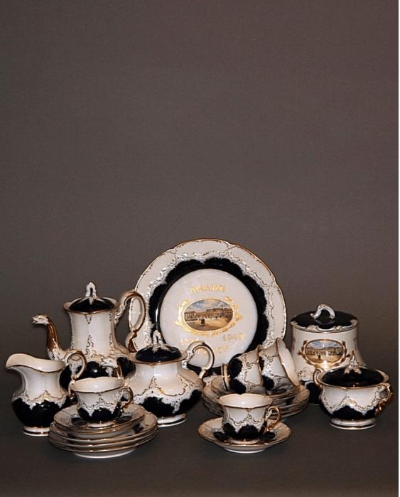 "Collectible tea set ""the little theatre 1824-1949"" - photo 1"