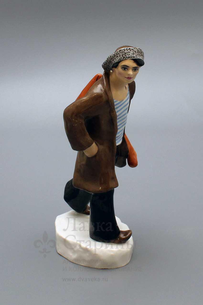 "Propaganda porcelain figurine ""Punks"" (Hoodlum with a balalaika), author Danko N. Ya, LFZ, 1970-80. - photo 2"