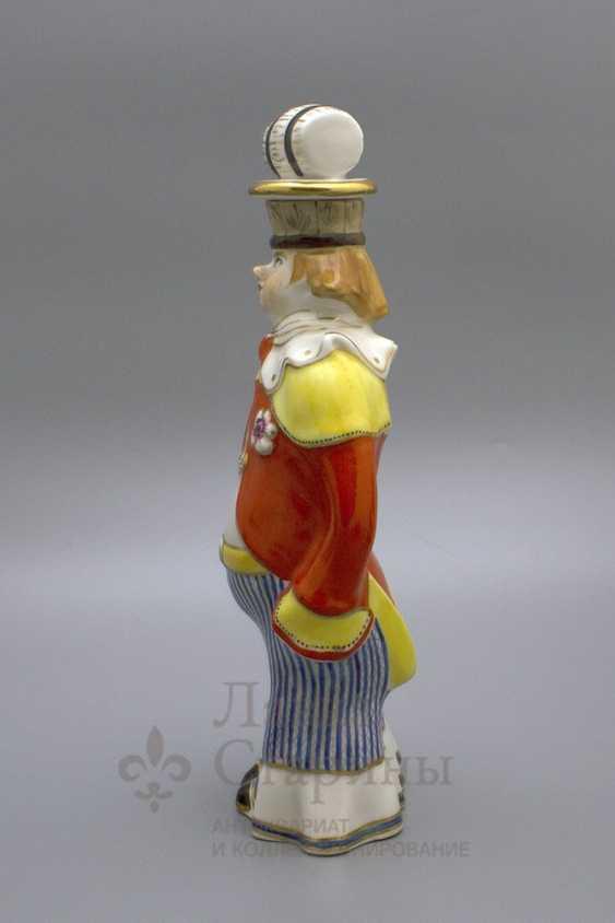 "Shtof-bottle ""happy clown"", ZFA Verbilki porcelain, 1950s, sculptor S. M. Orlov - photo 2"