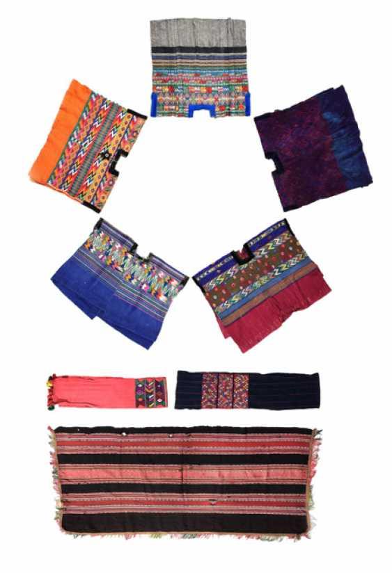 Eight Textiles - photo 1