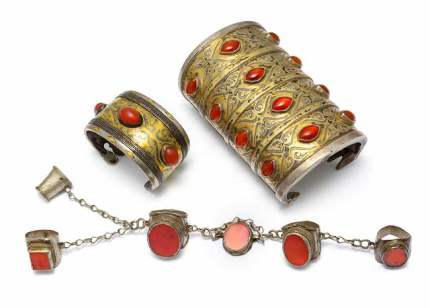 Three Turkmen jewelry pieces - photo 1