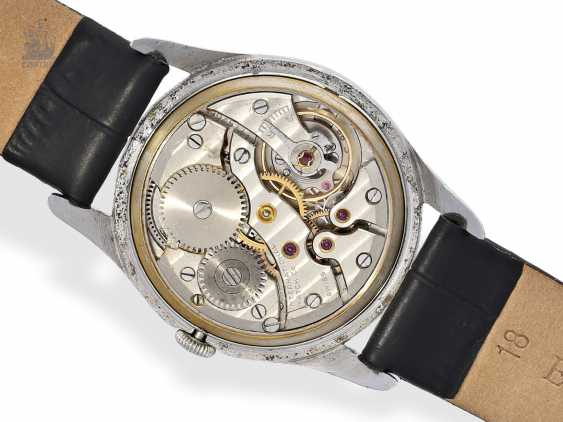Watch: early IWC wristwatch with a very rare form of the housing, Schaffhausen, 1946 - photo 2