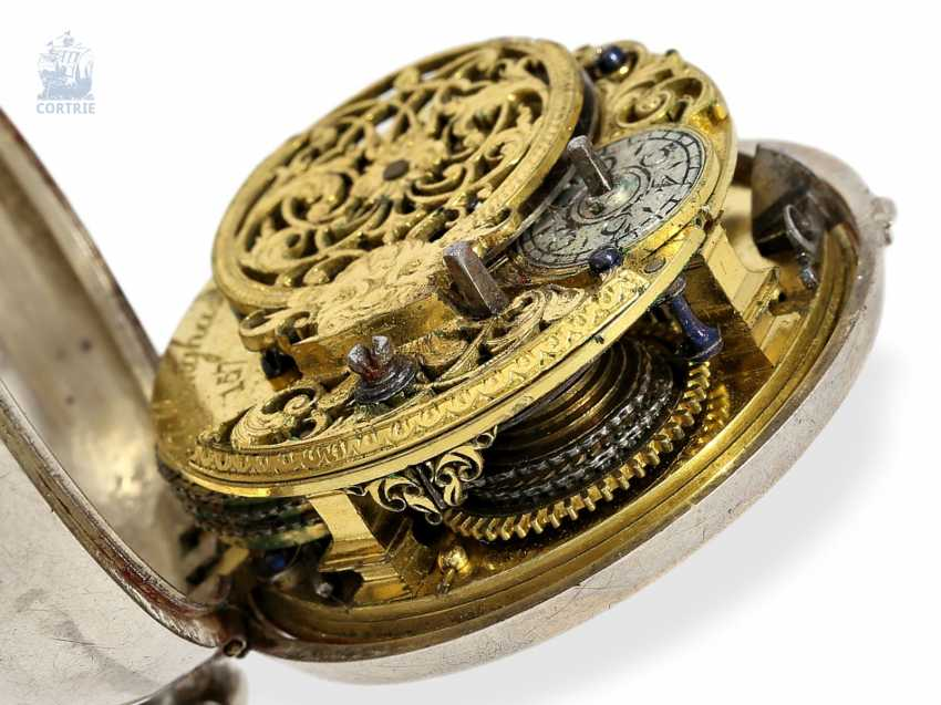 Pocket watch: early English double case-Spindeluhr with base dial, Tillinghast Liverpool, Hallmarks Chester 1742 - photo 4