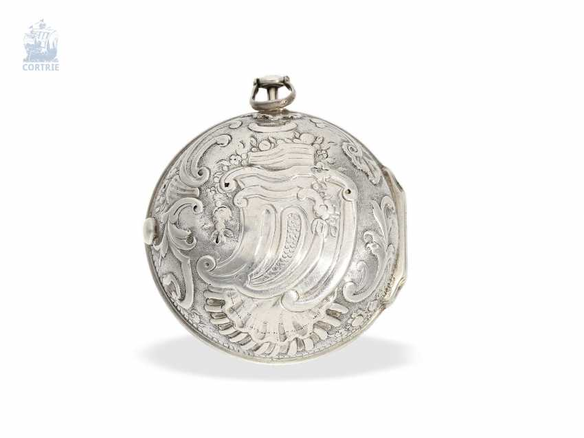 Pocket watch: early English repoussé technology, double-housing Spindeluhr with exceptional housing decoration, Martineau London No. 942, CA. 1720 - photo 8