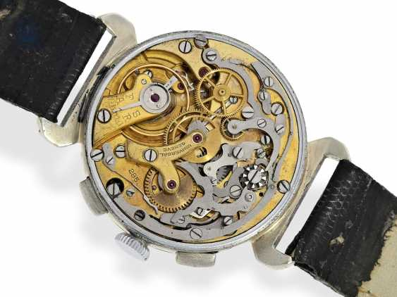 Watch: large, ultra-rare Universal Geneve Compur steel Chronograph watch with special lugs and Tachymeter/telemeter snail, 30s - photo 2