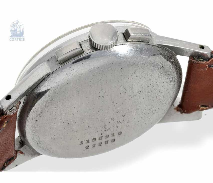 "Armbanduhr: seltener Universal Geneva Chronograph ""Tri-Compax"" Ref. 22258, square 1945 - photo 2"