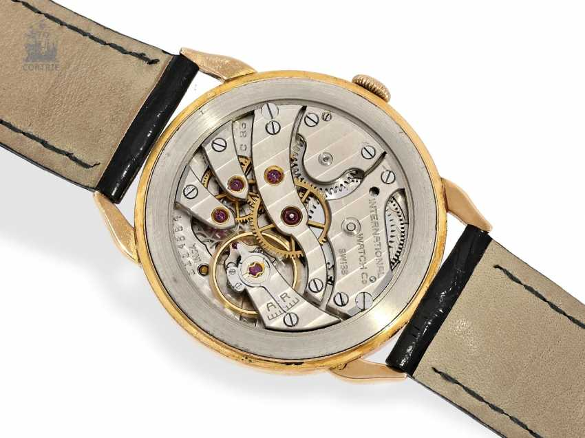 Watch: excellently preserved and rare red gold IWC men's watch with special lugs, Schaffhausen 1946, Expertise - photo 2
