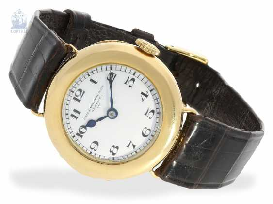 "Watch: Patek Philippe rarity, one of the earliest known women's wrist watches by Patek Philippe with enamel dial, model ""GONDOLO LADY OFFICIER"", CA. 1920 - photo 1"