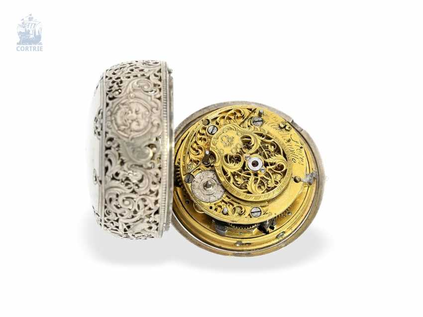 Pocket watch: early repoussé technology, double-housing Spindeluhr with repeater Les Freres March Ville, Geneva, in 1740 - photo 5