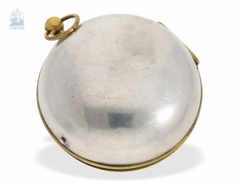 Pocket watch: unusual and early, early, early, einzeigrige Louis XIV Oignon with pseudo-pendant, enamel decoration and silver case, Louis Bouffeé a Saumur, around 1690 - photo 4