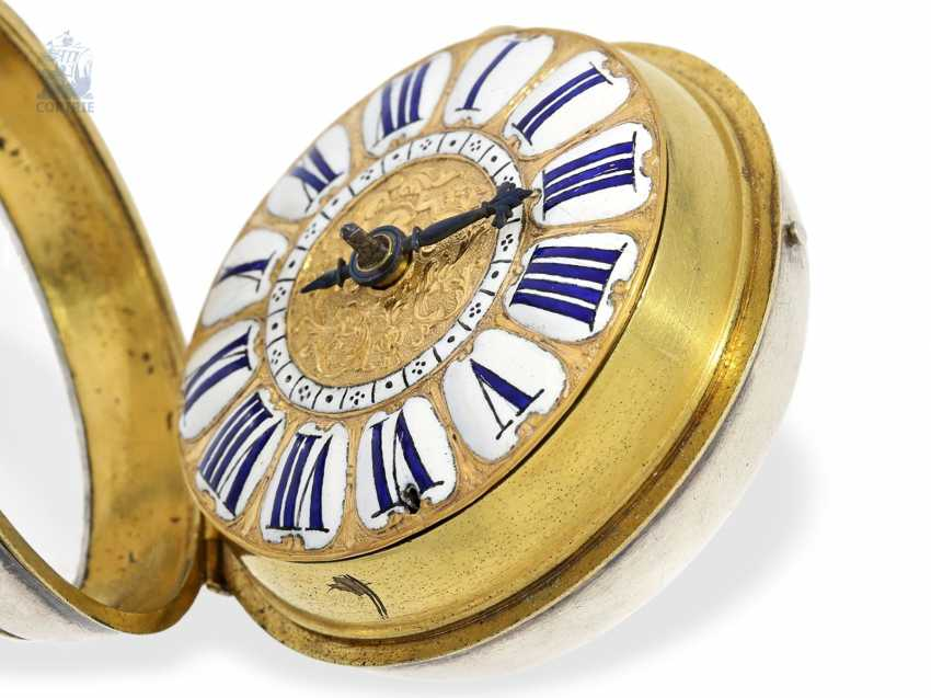 Pocket watch: unusual and early, early, early, einzeigrige Louis XIV Oignon with pseudo-pendant, enamel decoration and silver case, Louis Bouffeé a Saumur, around 1690 - photo 6