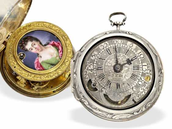 Pocket watch: a magnificent specimen of an early English repoussé technology Spindeluhr with dummy pendulum, date, enamel painting, and regulation through the dial, Mauris/Clough? verm. around 1720 - photo 1