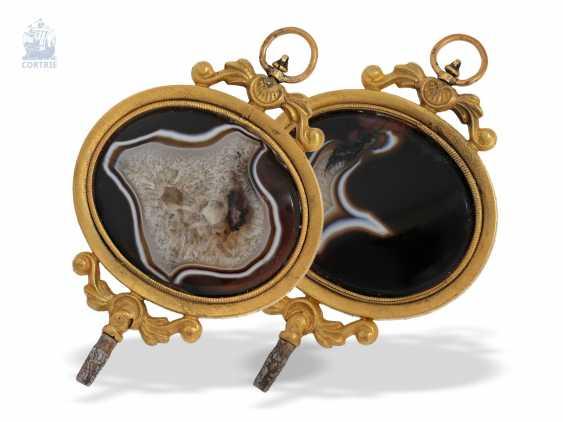 UhrenschlüsseLänge: außergewöhnlich großer, napoleonischer Anhänge-Uhrenschlüssel mit großem, äußerst dekorativen Achat, Frankreich um 1800 - photo 2