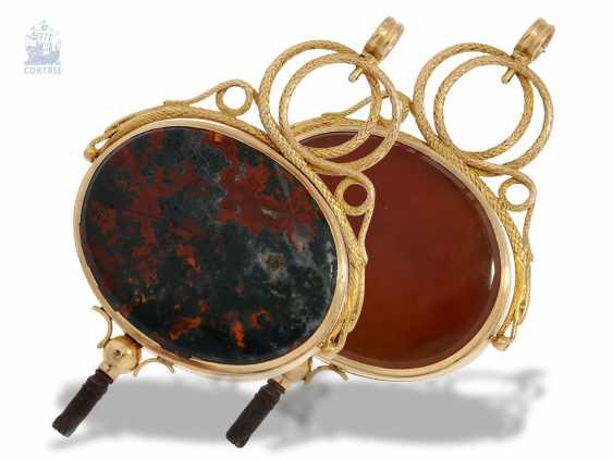 UhrenschlüsseLänge: Rarität, außergewöhnlich großer, goldener Directoire Anhänge-Uhrenschlüssel mit Steinbesatz und geheimem Giftfach, Frankreich um 1790-1800 - photo 1