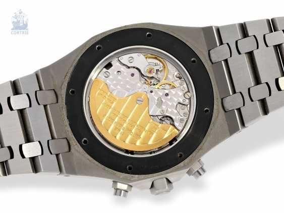 Wrist watch: high quality Chronograph with original papers, Audemars Piguet Royal Oak Ref. 25680St/O/1110ST/01. 2005 - photo 2