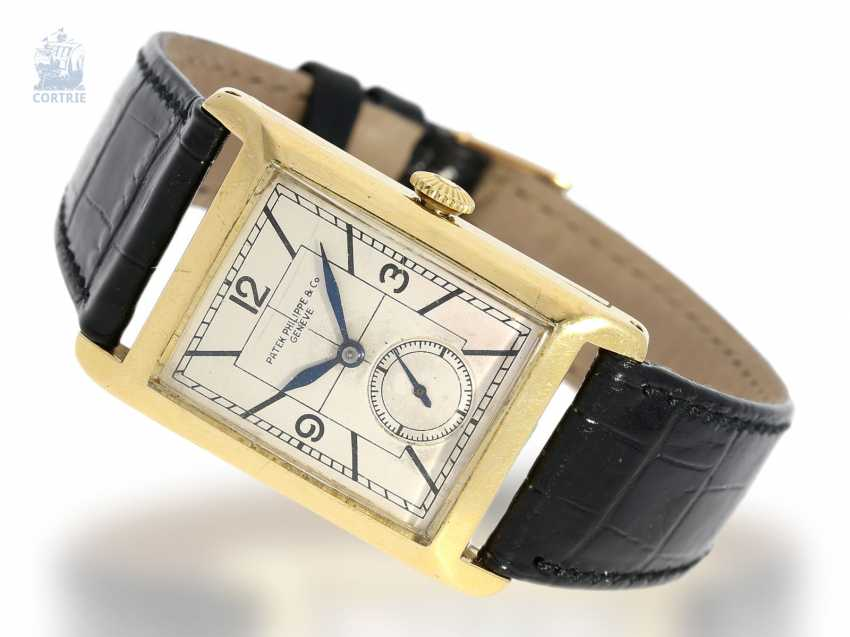 """Watch: extremely rare """"oversize"""" Patek Philippe men's watch with a very rare form of the housing """"Rectangular Tortoise-Shape"""" No. 821747, Geneva, 1929, with the master excerpt from the book - photo 1"""