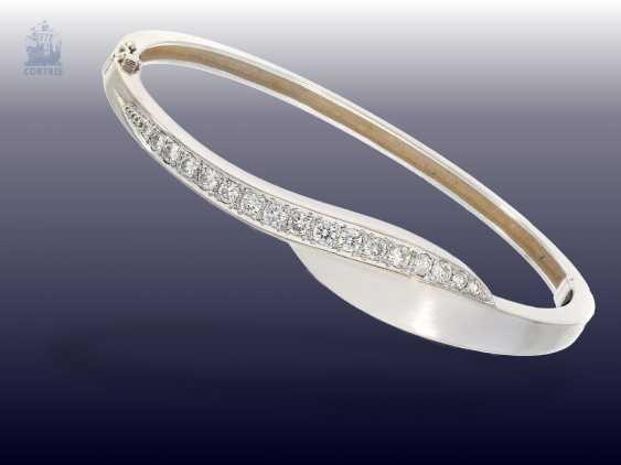 Bracelet: white gold and decorative vintage brilliant gold wrought bangle bracelet - photo 1