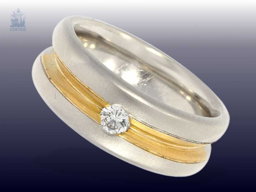 Ring: very solid-made two-tone gold wrought ring with a brilliant, crafted from 950 platinum, mint - photo 1