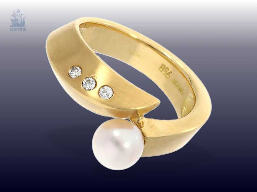 "Ring: modern and new gold wrought ring with fine pearl and small brilliant-cut diamonds, branded jewelry of ""Cachet"" - photo 1"